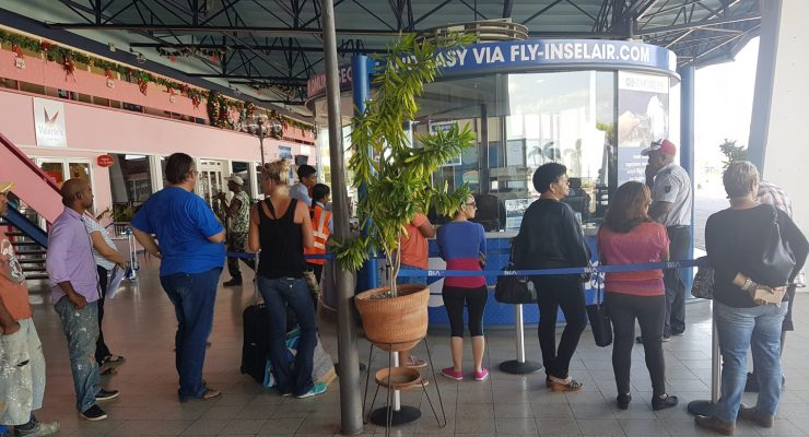 Insel Air's year-end campaign draws long lines at Flamingo Airport