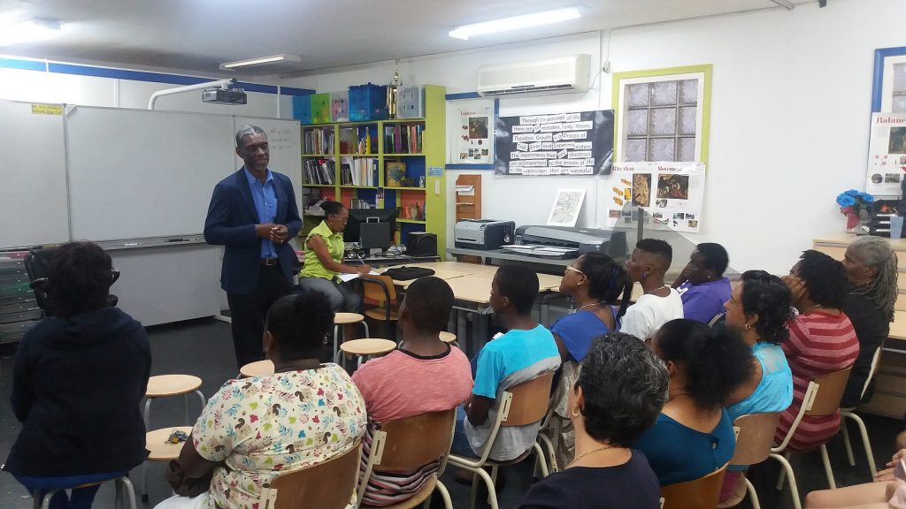 CXC-Registrar Cumberbatch visits St. Eustatius and Saba
