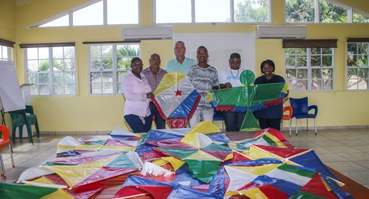 Prisoners make and donate kites to FKPD-residents