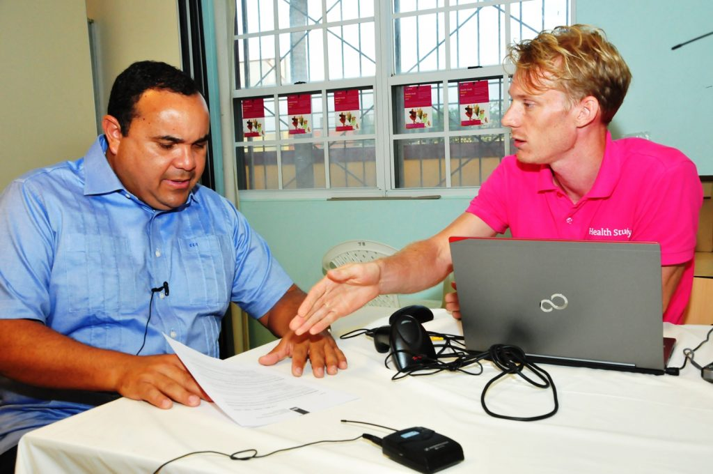 Island Governor Rijna takes part in Health Study