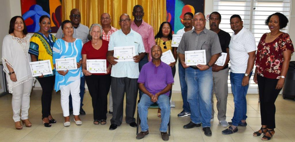 kunukeros receive certificates