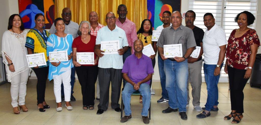 kunukeros receive certificates