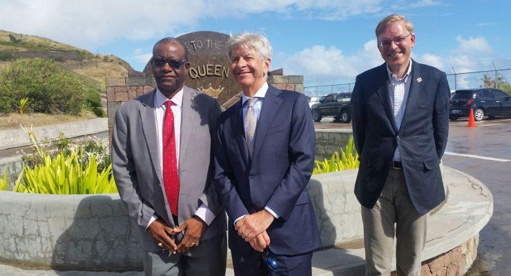 Plasterk praises Saba approach