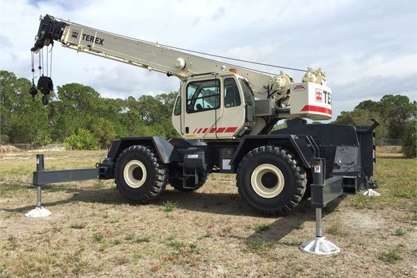 Public Entity Saba purchases multi-functional crane