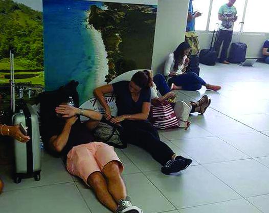 Pawa passengers stuck small
