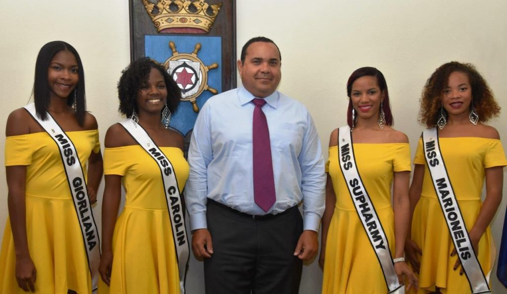 Island Governor Rijna Receives Miss Tourism Candidates