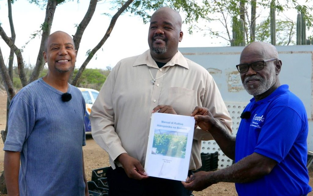 Handbook Published About Hydroponics in Bonaire