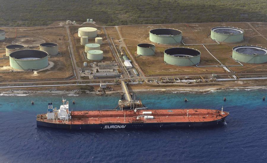 Tanker bij Bopec