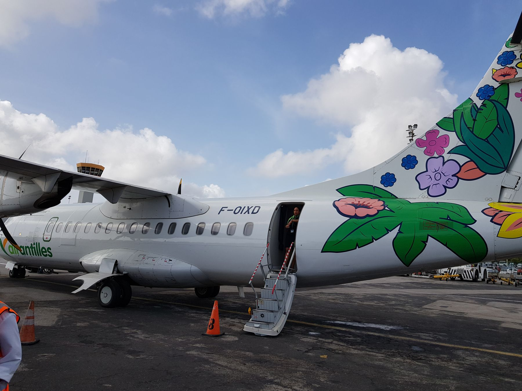 Air Antilles in Curacao foto HL
