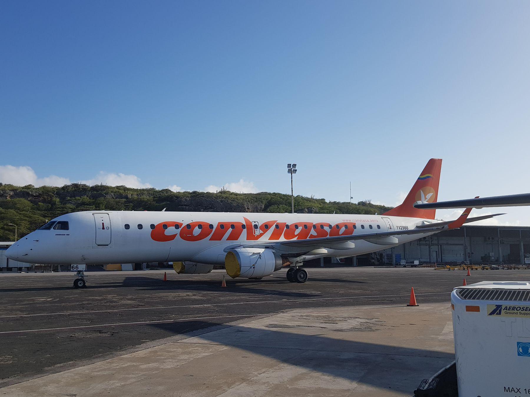 Conviasa op Hato Airport foto HL