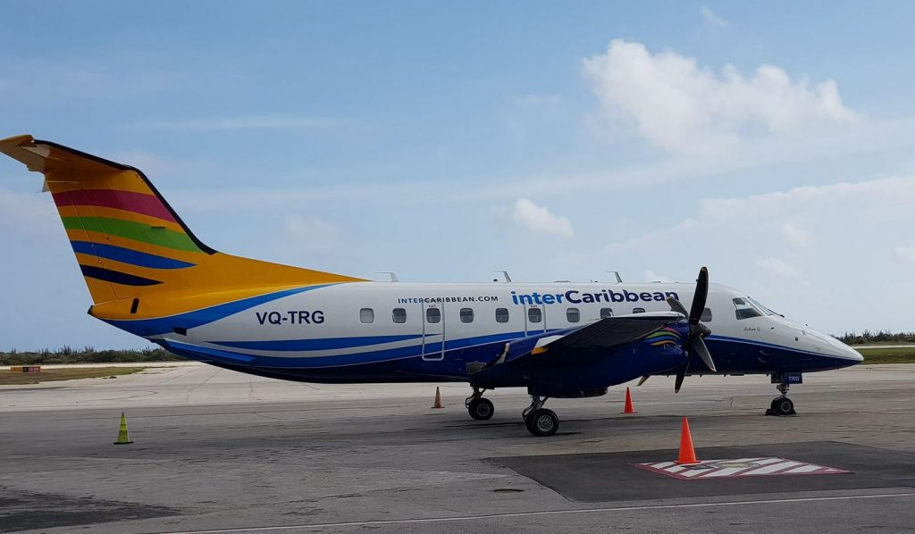 Inter Caribbean op Hato Airport Foto HL