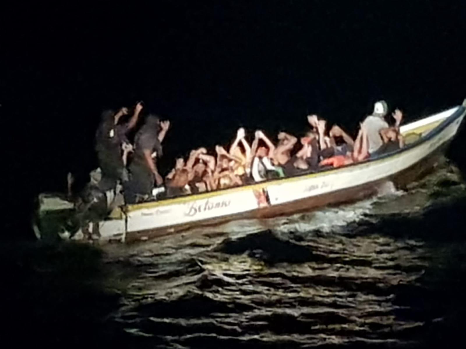 coast guard detains Venezoalans 14092018