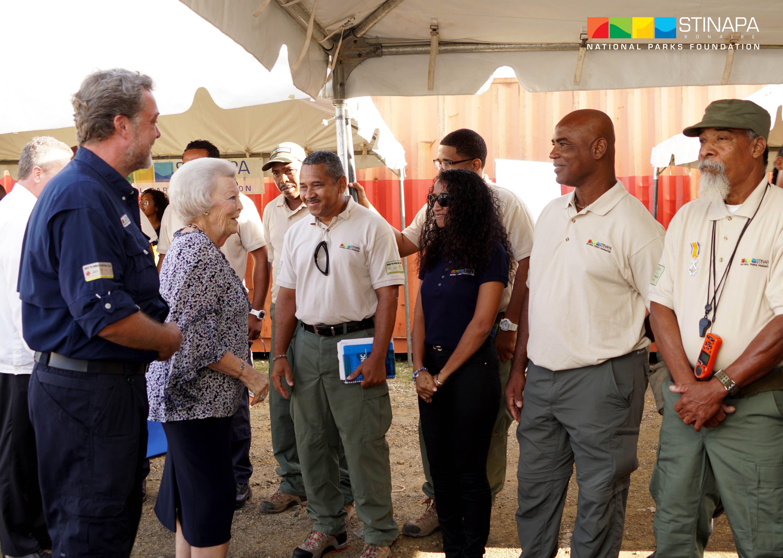 Princess Beatrix meets staf of WSNP