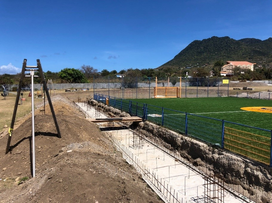 Covering of Cruyff Court Statia under construction