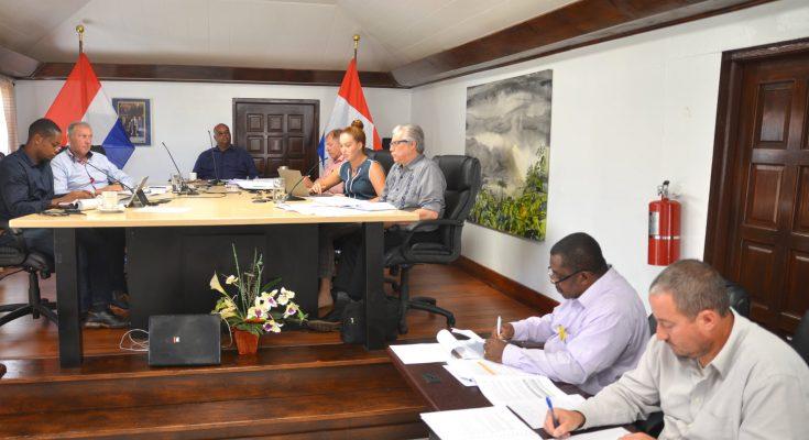 Saba's Executive and Island Council Discuss Various matters during Retreat