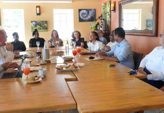 Knops meets Saba's Outbreak Management Team